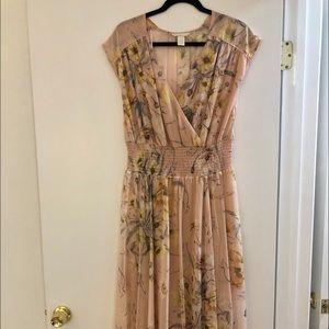Feminine flowy dress